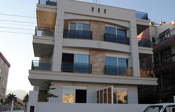 Beachfront Apartment in Antalya Konyaalti 2 Bedrooms for sale