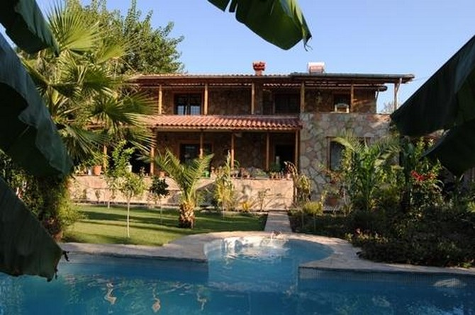 Antalya Village House near City Amenities 5 Bedrooms for sale