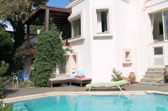 Prominently Located Detached Villa in Bodrum Centre