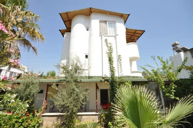 Semi-detached villa in Koca Calis has been refurbished