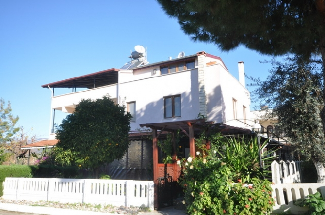 Semi-Detached Villa For Sale in Kocacalis