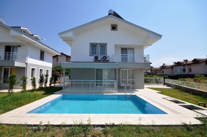 3 Bedroom Detached Villa with Swmimming Pool in Calis