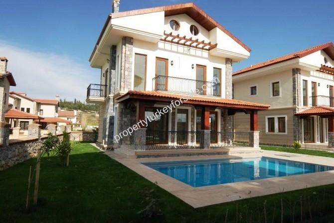 Spacious Villa in Calis for Sale