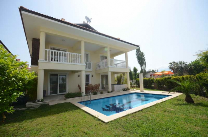 Calis Beach Villa with Private Pool 4 Bedrooms