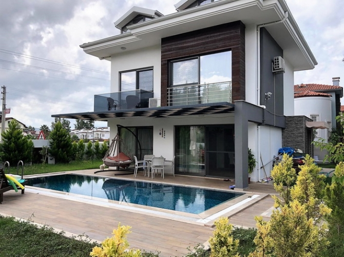 Delightful 5 bed resale property close to Calis Beach.