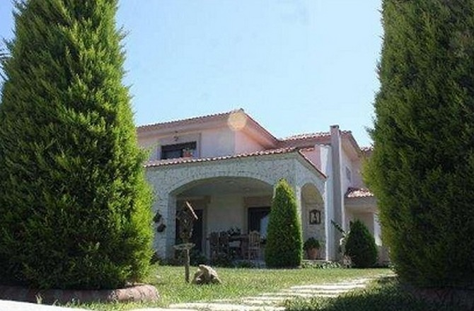 Cesme Villa with Large Size of Land