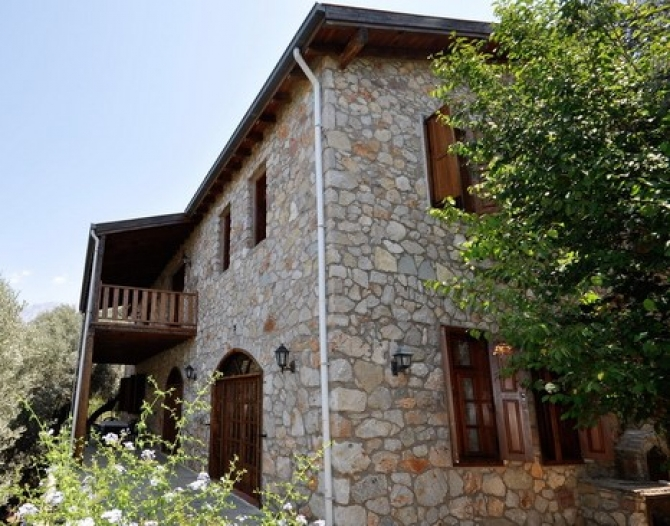 Traditional Turkish Villa on a Large Plot