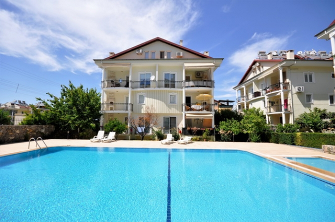 3 Bedroom Family Apartment With Communal Pool For Sale