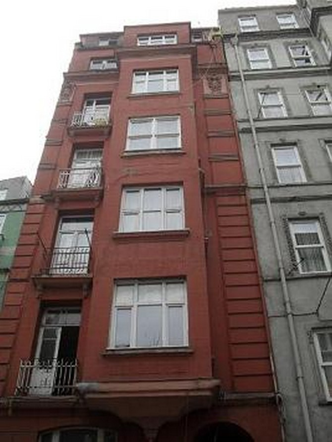 Stupendous Apartment For Sale In Istanbul Taksim 2 Bedrooms Home Interior And Landscaping Fragforummapetitesourisinfo
