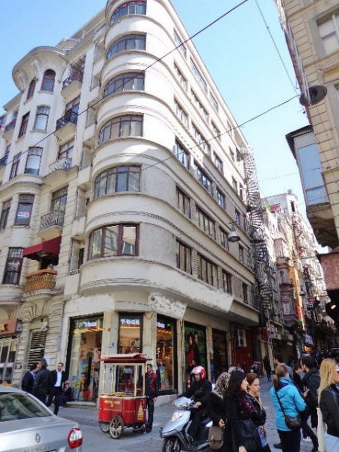 Building in Istanbul Taksim Hotel Street  for sale
