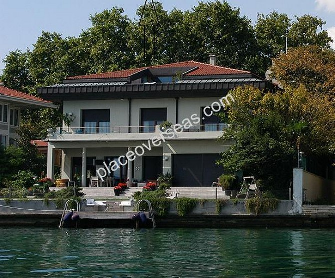 Istanbul Bosphorus Yali For Sale 8 Bedrooms