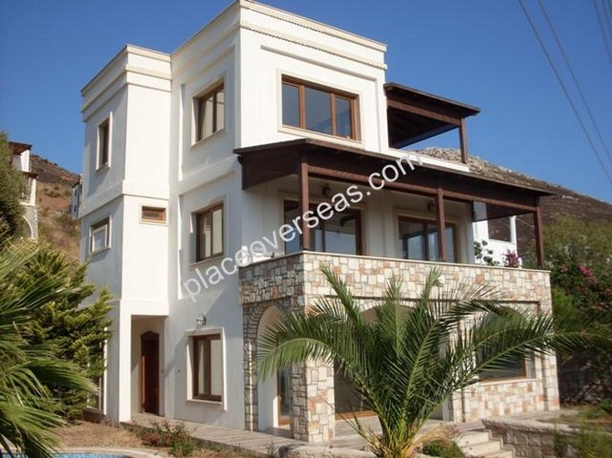 spacious stone built 5 bedroom villa