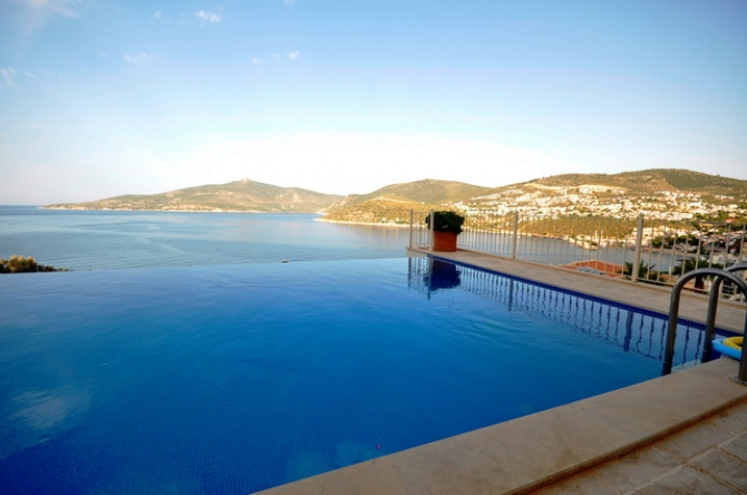 Kalkan penthouse apartment with sea view and private pool