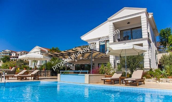 Kalkan Frontline Villa with Infinity Pool 4 Bedrooms for sale