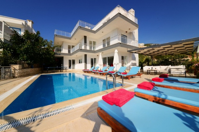 Spacious 6 Bedroom Detached Villa Overlooking Kalkan Bay