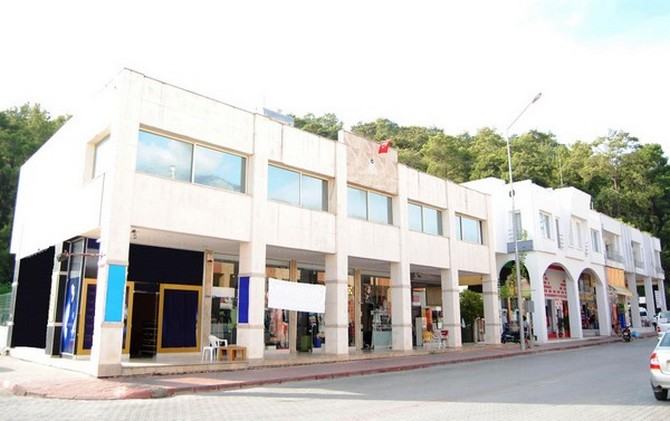 Commercial building in Kemer