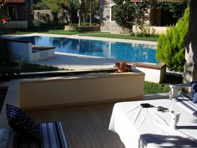 Large terrace and shared pool