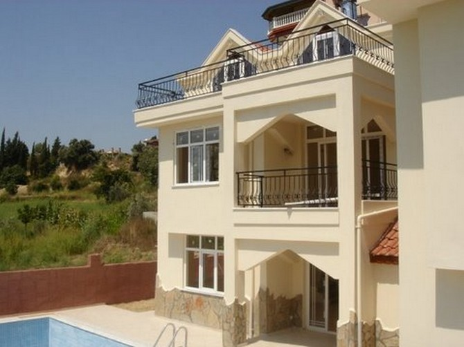 Bargain Spacious House In Side With Sea View Sold