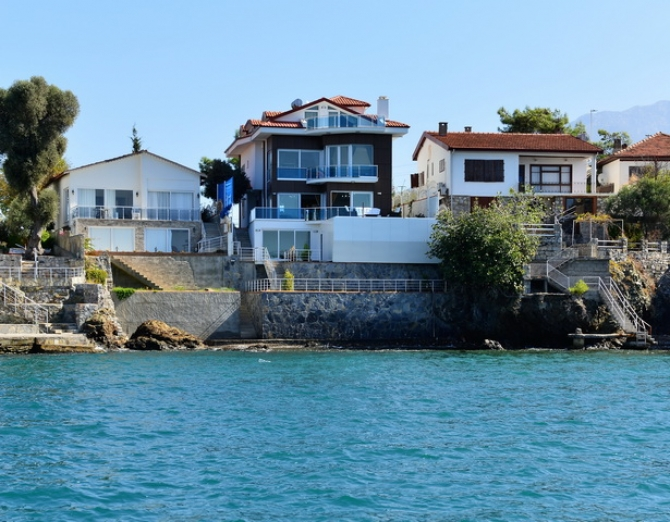 6 Bedroom Luxury Villa in with Amazing Sea View & Pool