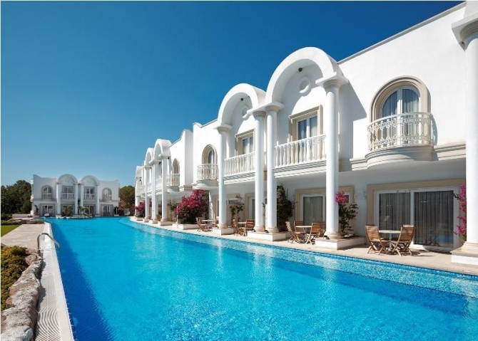 Bodrum Beachfront Apartments with Hotel Facilities