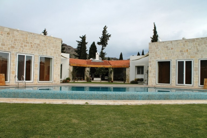 Impressive Large Turkbuku Villa on a Private Plot
