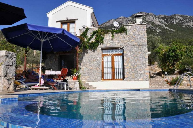 Uzumlu Villa 3 Bedrooms Mountain and Village Views
