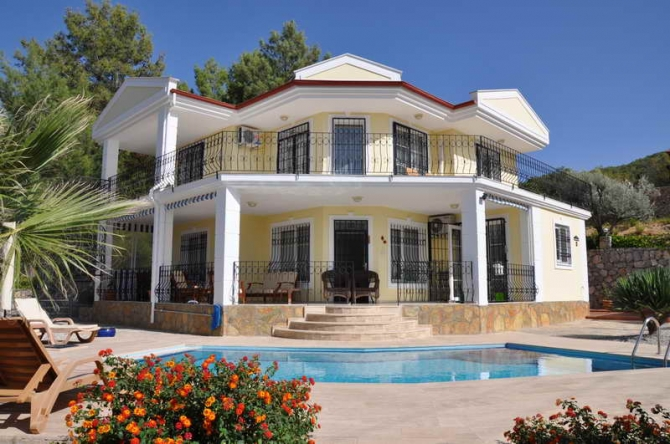 Villa with Large Private Pool in Uzumlu Fethiye