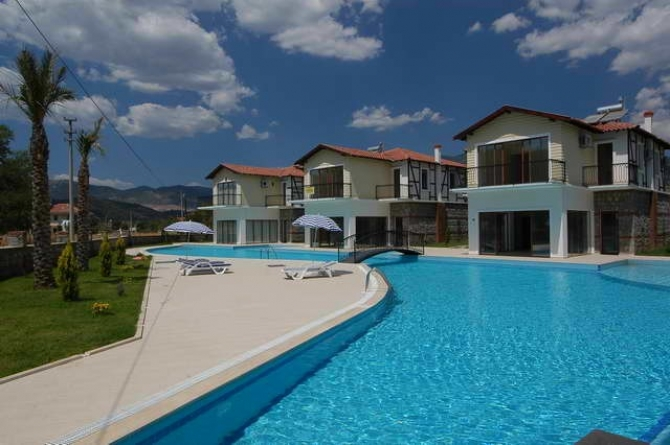 Fully Furnished Villa With Shared Pool in Uzumlu