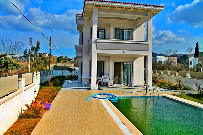Detached Villa With A Pool 200mt To The Heart Of Yalikavak