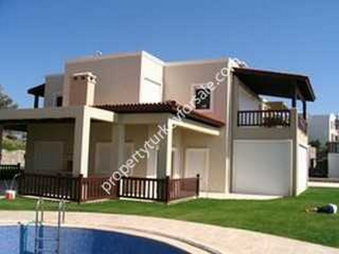 Bodrum Beach Villa for Sale with Private Pool 4 Bedrooms