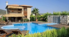 Modern Alacati Villa Prime Location 4 Bedrooms for sale