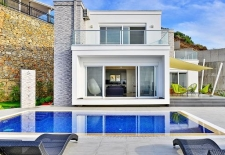 Alanya Contemporary Living 3 bedroom Villa with Sea View