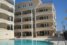 Stylish Altinkum Apartment Large Pool 2 Bedrooms