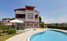 Bargain house nearby Golf clubs in Belek