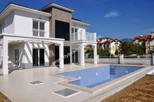 Spacious Calis Villa Private Garden and Pool 3 Bedrooms
