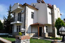 Resale Calis Villa Near Amenities 3 Bedrooms for sale