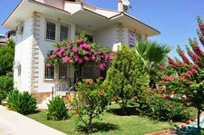 Resale Calis Villa Mature Garden 3 Bedrooms
