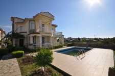 Four Bedroom Detached Calis Villa With Large Garden