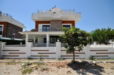 4 Bedroom Detached Villa with Swimming Pool For Sale