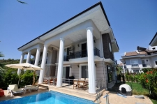 Beach-side semi-detached villa in Calis for sale