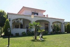 Spacious Cesme Villa Village Settings 5 Bedrooms for sale