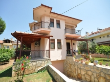 Large Detached Villa with Private Garden