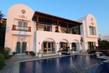 Impressive 8 Bedroom Sea Front Villa in Gundogan
