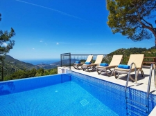 Contemporary Bungalow with Stunning Views in Kalkan