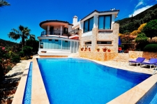 4 Bedroom Detached Villa with Swimming Pool in Kalkan
