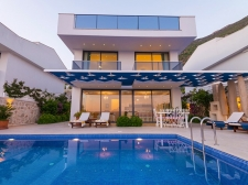 Spacious 5 Bedroom Villa with Panoramic Views of Kalkan