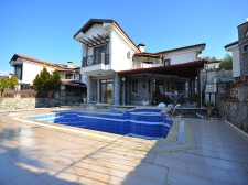 Spacious 4 Bedroom Villa in Kemer