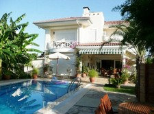 Kemer Villa with Private Pool and Lovely Garden 3 Bedrooms