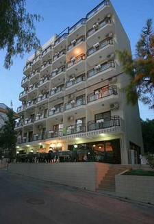 Kusadasi Hotel for Sale near Beach 40 Bedrooms
