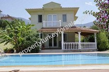 Private Detached 3 Bedroom Villa with Mature Garden